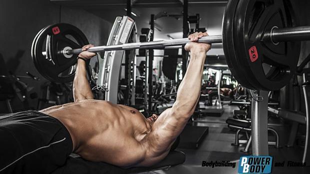 Male-Bench-Press. как накачать грудные