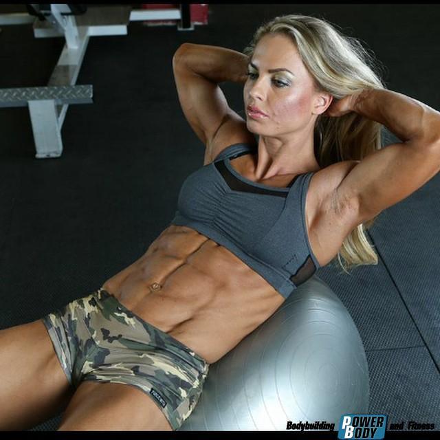 упражнения от жира на животе в зале