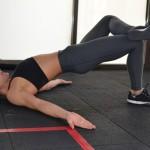 Упражнение ягодичный мостик — подъем таза из положения лежа