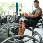 Подъем на носки сидя — прорабатываем мышцы голени