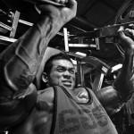 Наклонный жим в тренажере хаммер — на проработку грудных мышц